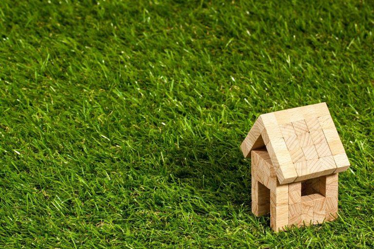 Maison pas chère grâce au bois